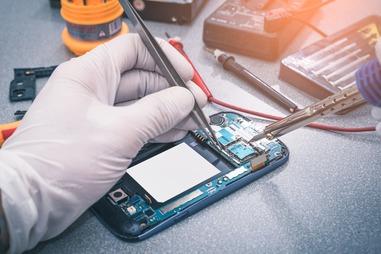 Refurbishing IT phones retain economic value reduce CO2